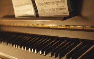 電子ピアノの処分方法|引き取りしてくれる業者は?費用や廃棄方法をシェア