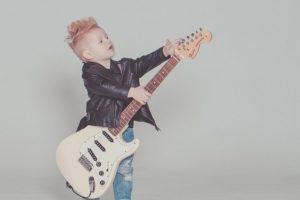 【初心者でもOK】ギターソロ・速弾きのおすすめ練習アイテムを紹介