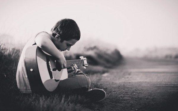 ギターソロや速弾きの練習方法